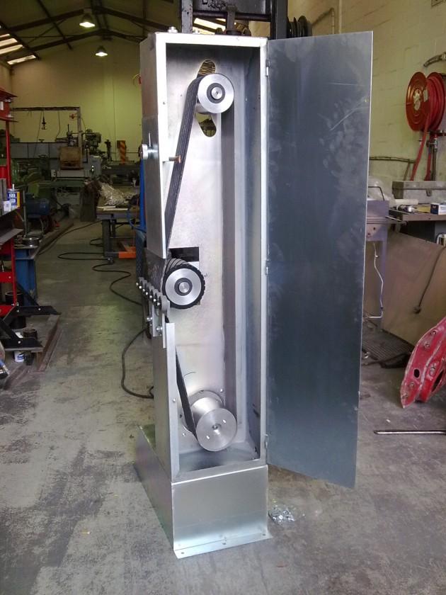 Belt polisher
